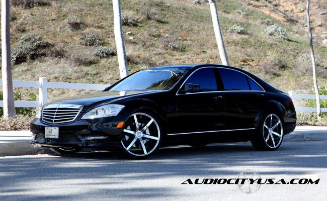 Limousine & Sedan Fleet for Rent in Westland Michigan - BENZ_550