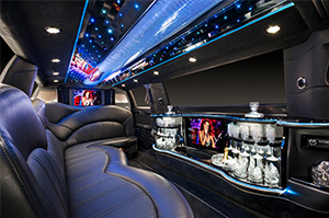 Limousine & Sedan Fleet for Rent in Westland Michigan - lincoln-mkt-white-town-car-limousine-interior