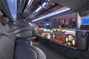 Limousine & Sedan Fleet for Rent in Westland Michigan - raven-black-lincnoln-towncar-limousine-interior